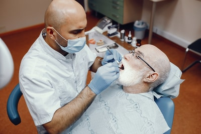 oral cancer signs risk factors dentist can help