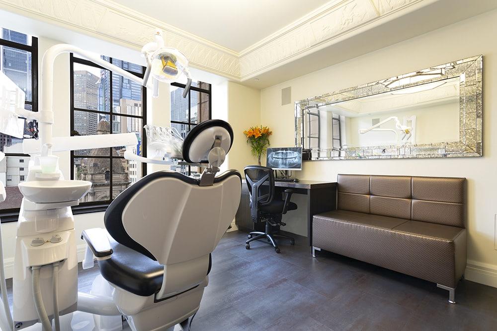 Smile Solutions Level 10 Dental Suite
